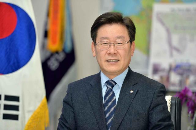 """""""美军是占领军!""""韩国总统候选人语出惊人,民调支持率远超文在寅"""