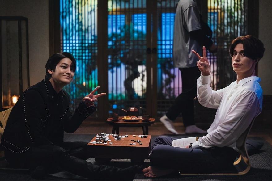 《九尾狐传》停播一周,主演为安抚观众情绪使出浑身解数?