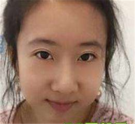 """这个""""中国女孩""""说美国多香,最后还不是一样回到祖国"""