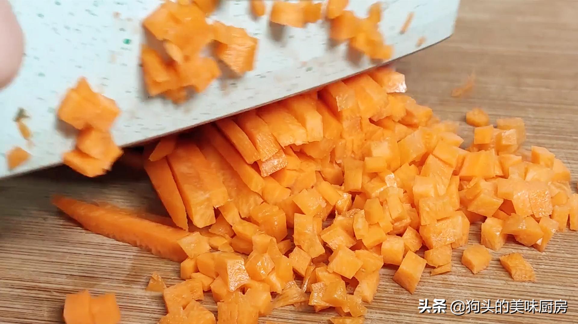 豌豆不要炒着吃了,加两个鸡蛋,比吃肉还香,上桌就抢光 美食做法 第7张