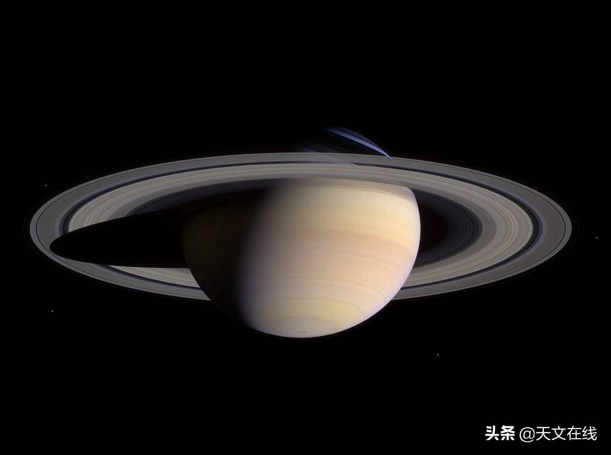 身披巨大圆环的行星——土星