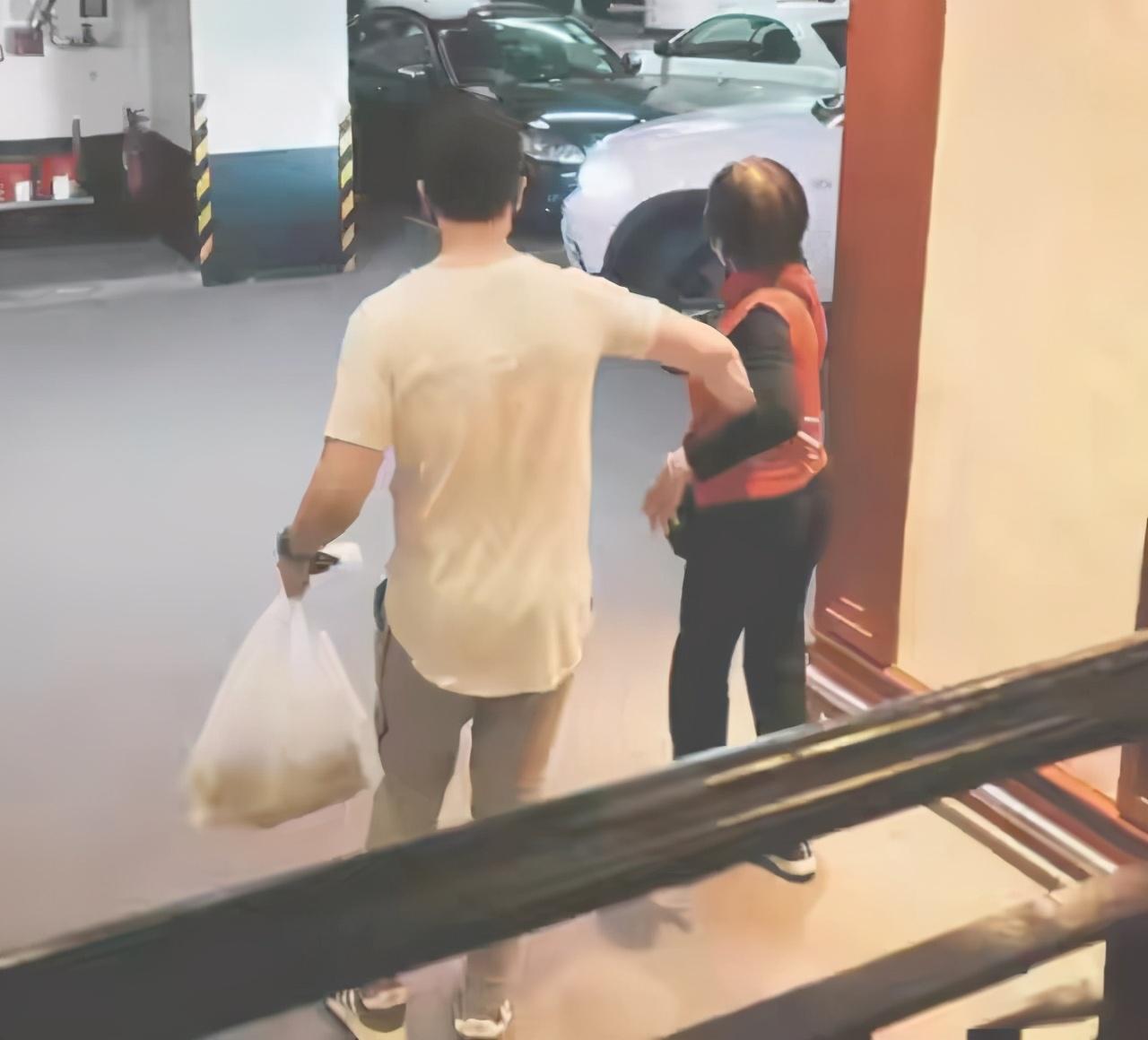 陳茵媺隔空為老公慶生,婆婆罕見出鏡,50歲陳豪笑容燦爛幸福難掩