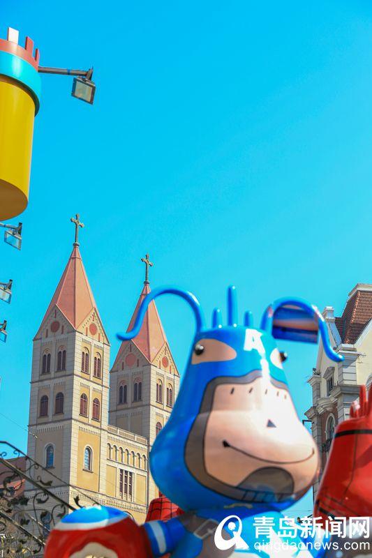 邂逅春日里的浙江路教堂广场蓝天白云美得像童话