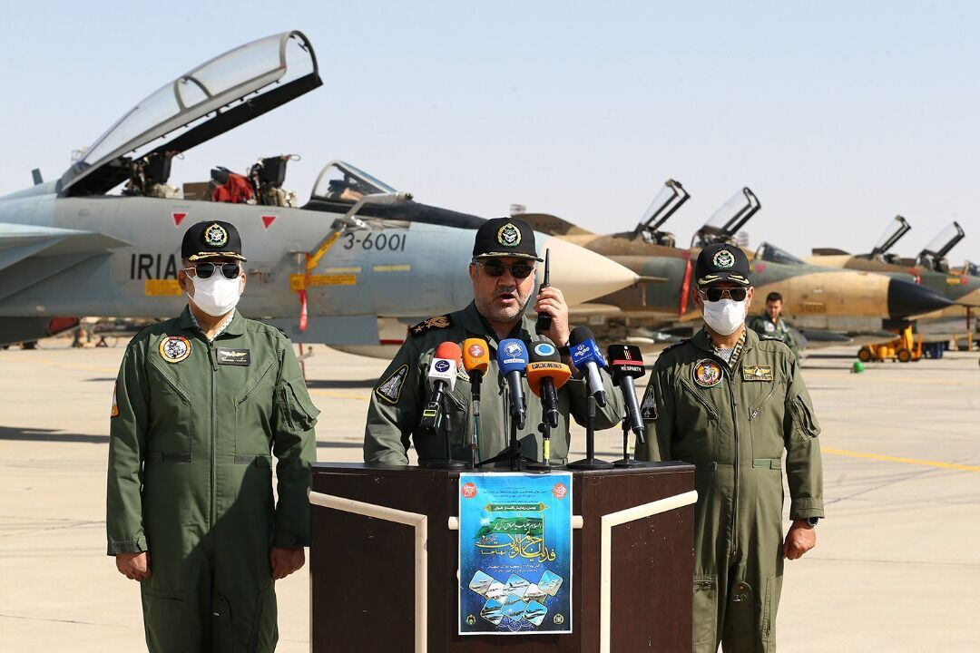 美国轰炸机飞越伊朗领空,伊朗空军表示将在必要时作出反应