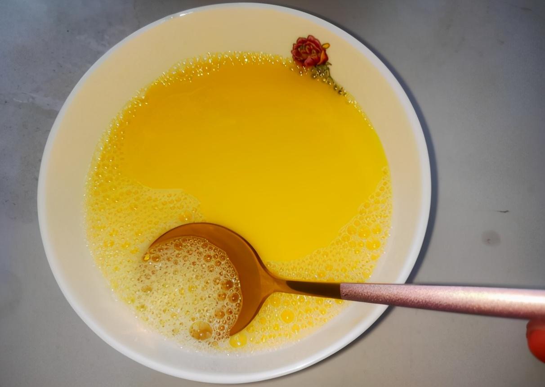 蒸鸡蛋羹是开水上锅还是冷水上锅?牢记4点,做好后每一口都滑嫩 美食做法 第5张