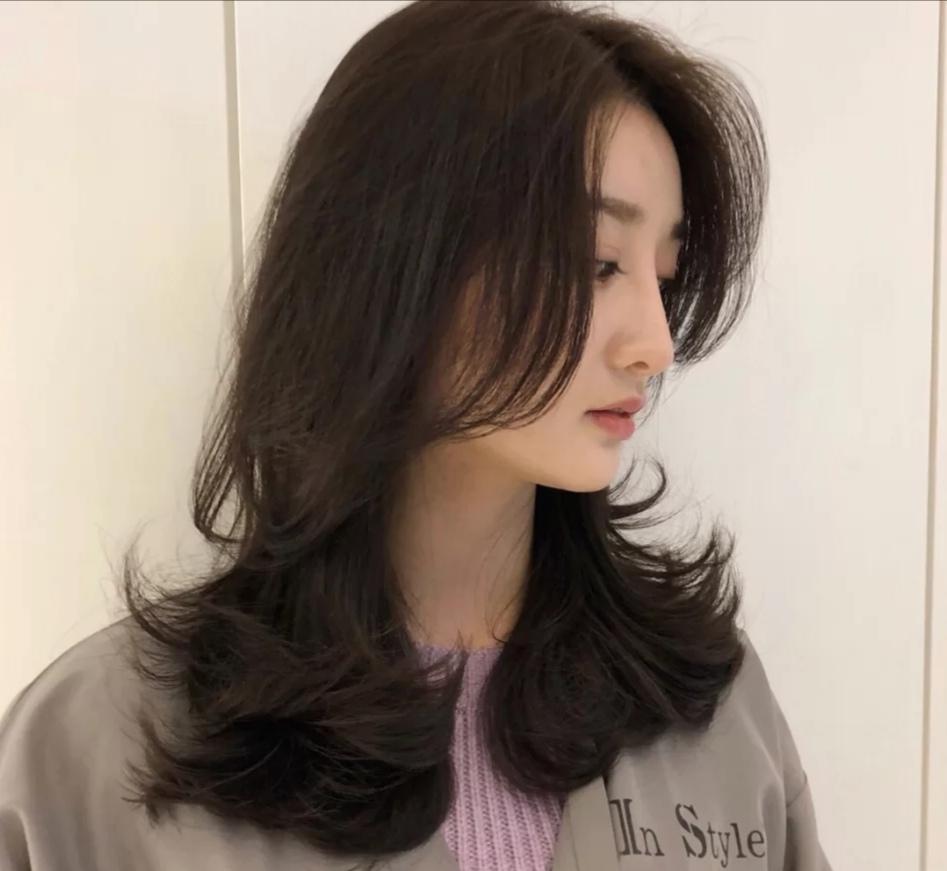 最新盛行的发型你知道了吗?配上这3款神仙发色,是小仙女无疑了