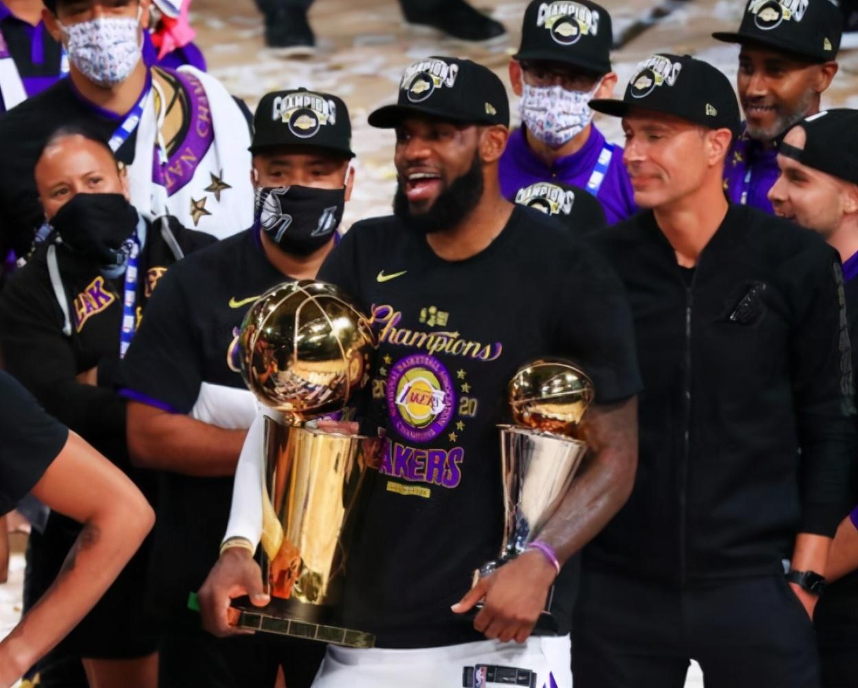 篮网有意8400万大将,想组成三巨头冲冠的他们,内有隐患?