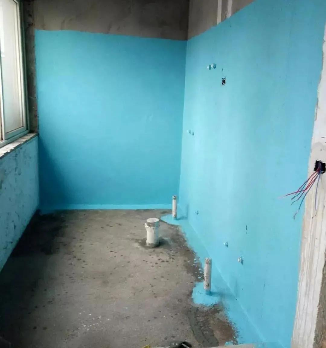 厨房、卫生间的地面、墙面一般防水层会容易潮湿霉变?