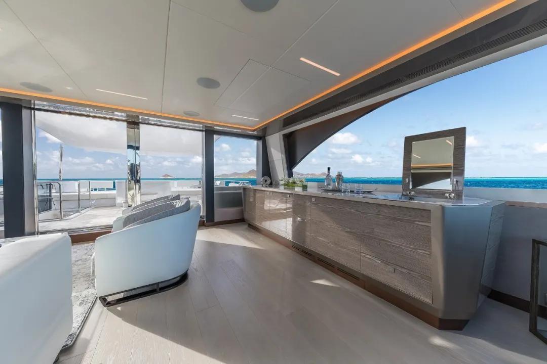 27米长的海上亚历山大探险游艇,续航里程接近3900公里