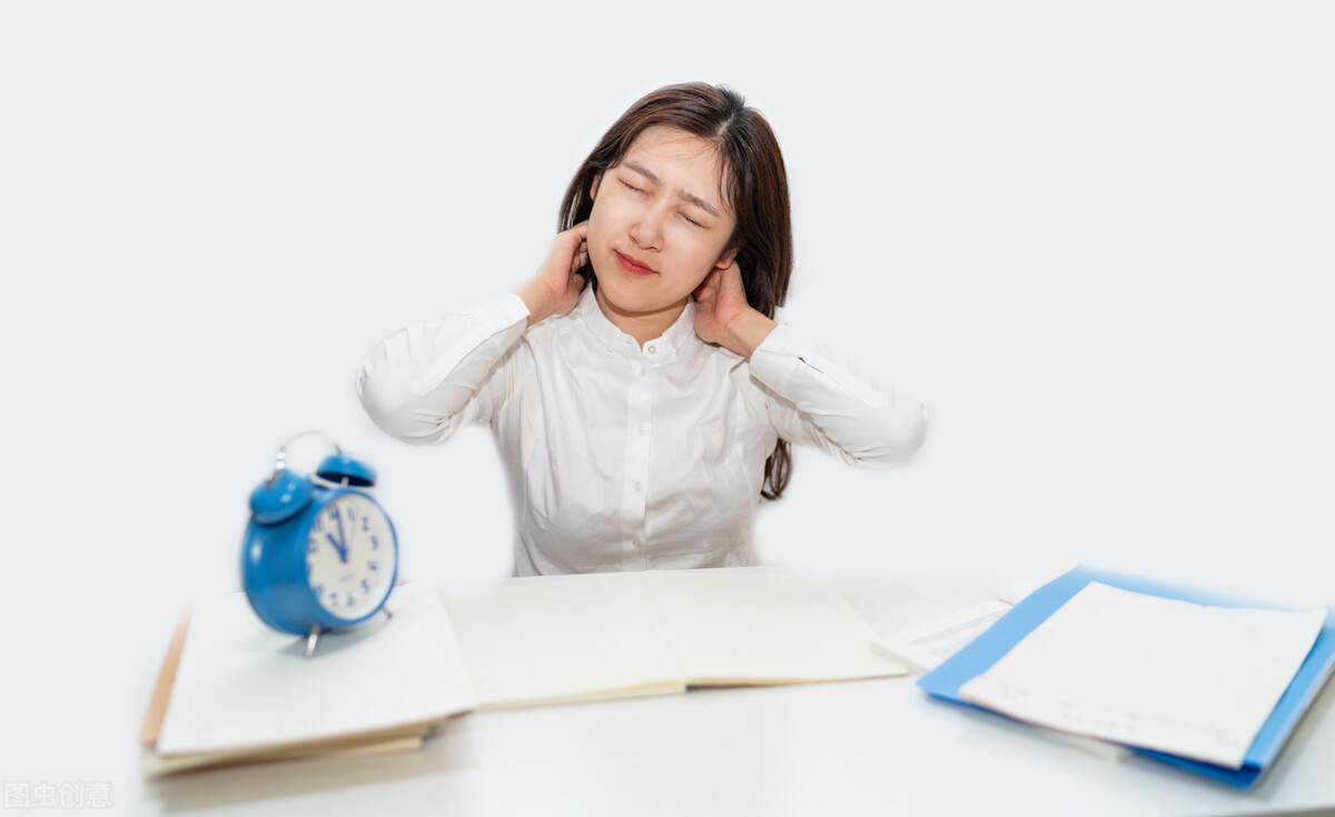 """颈椎病很会""""伪装""""?高血压、心绞痛…这5种疾病容易混淆"""