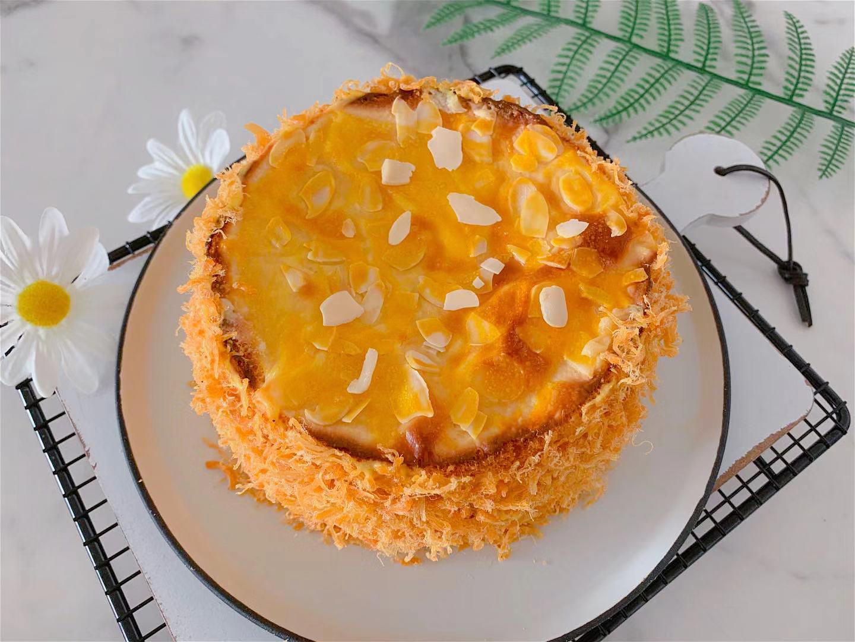 這蛋糕比肉鬆麵包還好吃,奶香濃郁,細膩香軟,咬一口還爆漿