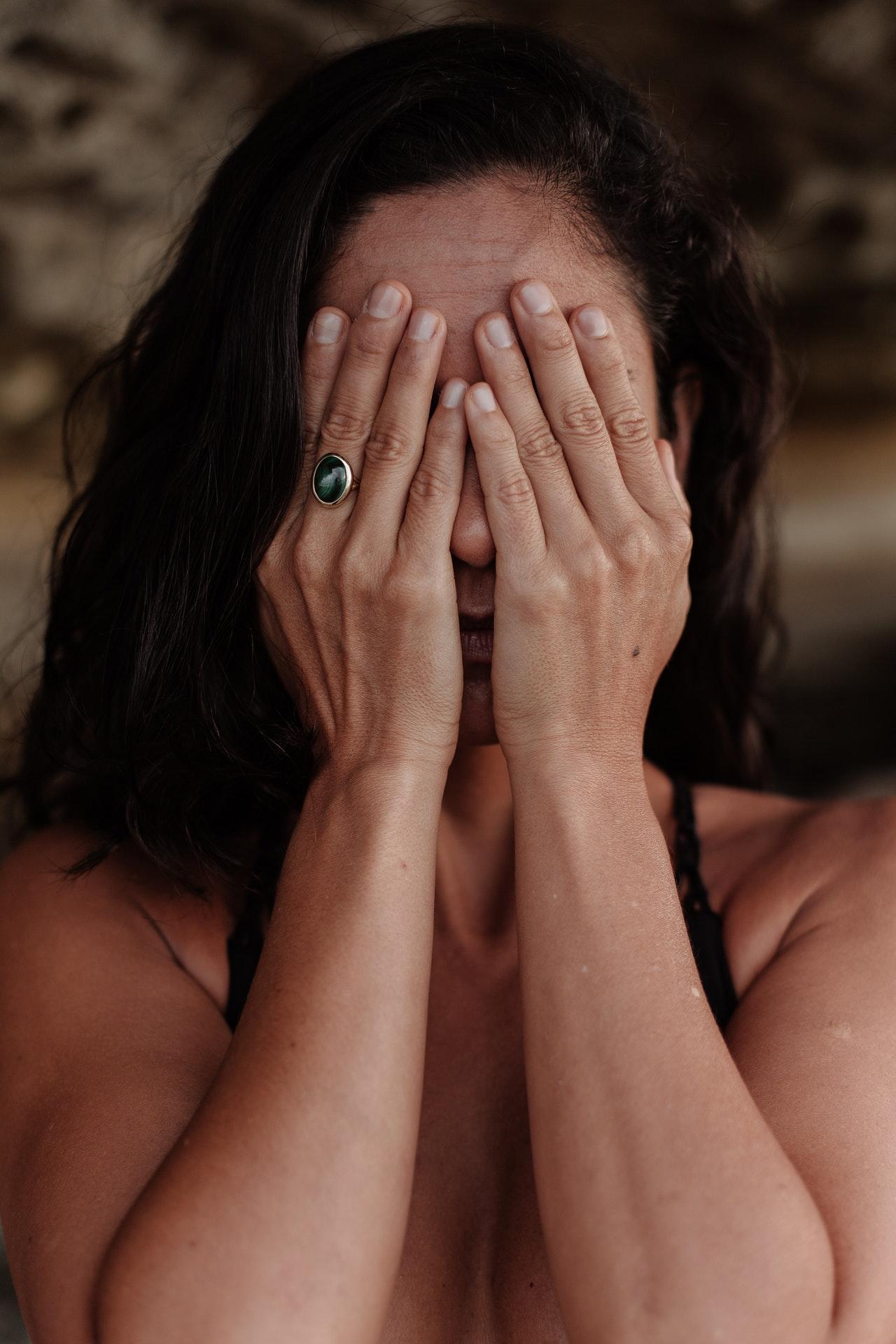 心理测试:你觉得哪个人最伤心?测你是不是一个烂好人