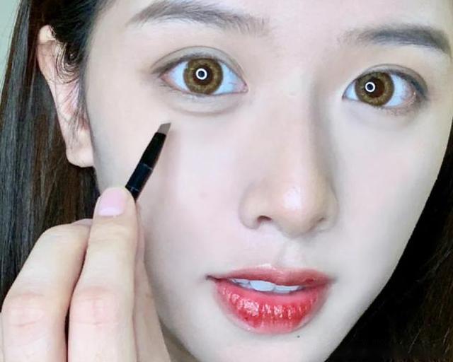 今年口罩妆火了,眼睛诠释整体美,容易上手
