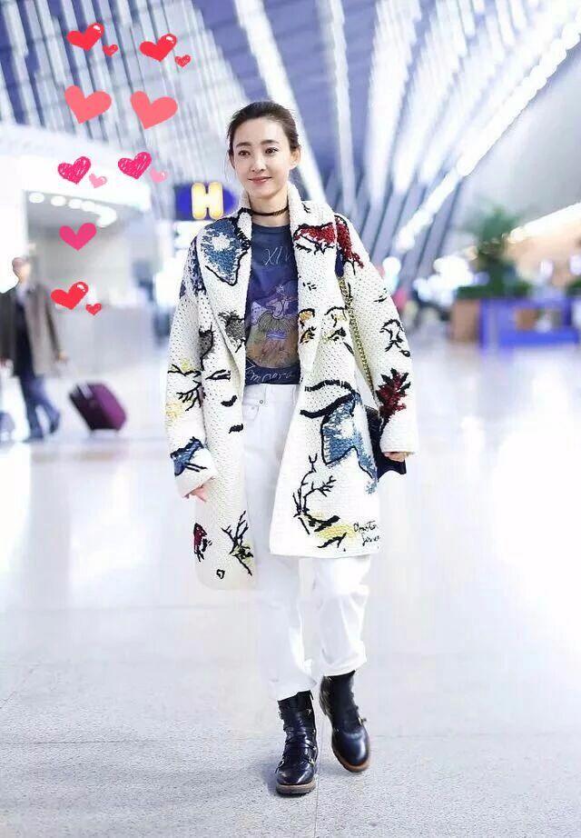 王丽坤衣品是真好!网友:难怪32岁的她都会被人说成是小姑娘