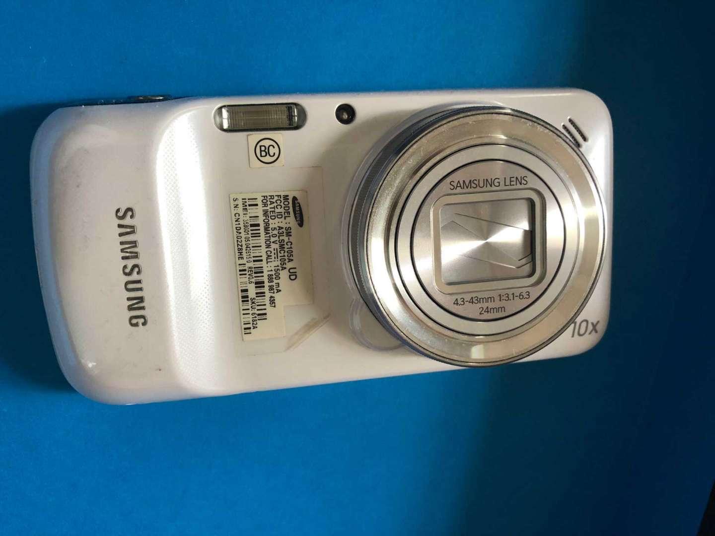 它是六年前的安卓系统照相手机!10倍伸缩式摄像镜头 氙气闪光灯