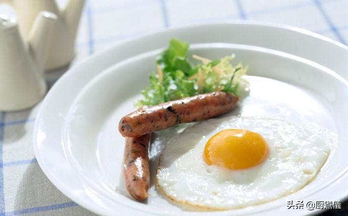 外焦里嫩的煎蛋,第一步千万不要放油,只需加一步永不粘锅 美食做法 第4张
