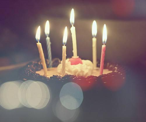 自己生日发朋友圈怎样写好配图,低调暗示自己生日快乐