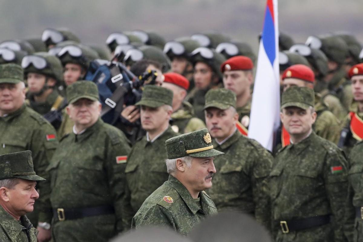 俄罗斯遭到攻击会如何报复?俄军总参谋长宣称:不排除用核武器
