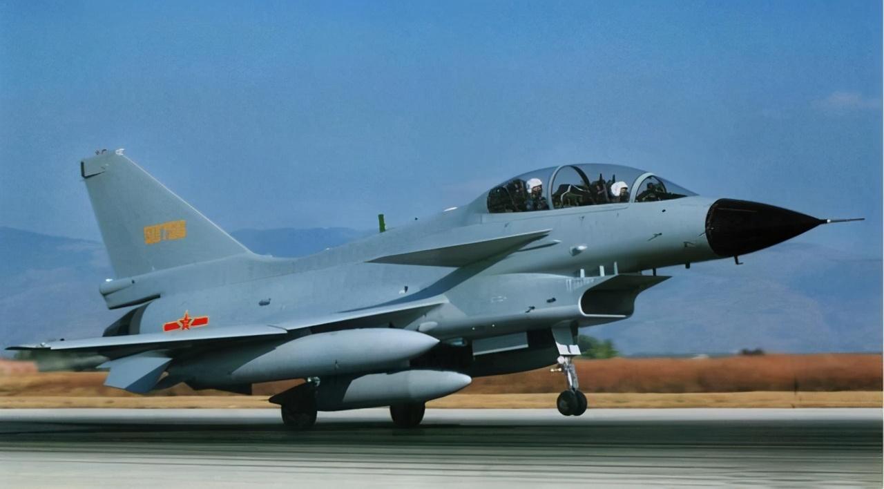 2021年中国空军会有何变化?歼20大批服役,轰20或将现身