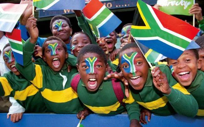 """又见""""零元购""""大骚乱!黑人执政的南非真从发达国家倒退了吗?"""
