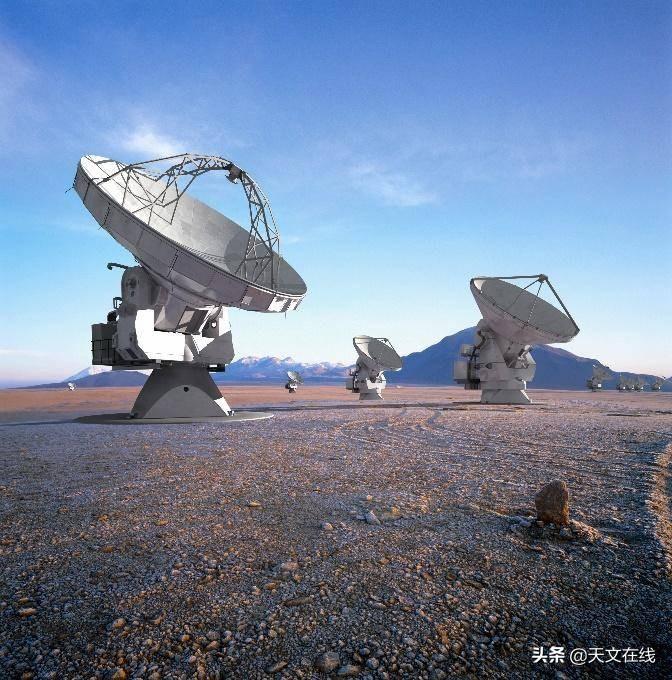 几张高清大图带你一起简单的了解下欧洲南方天文台的望远镜