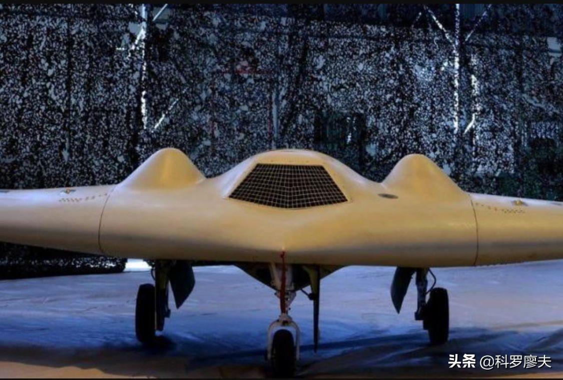 为何伊朗很硬气?手握杀手锏,上万架无人机,感谢美国无私赞助