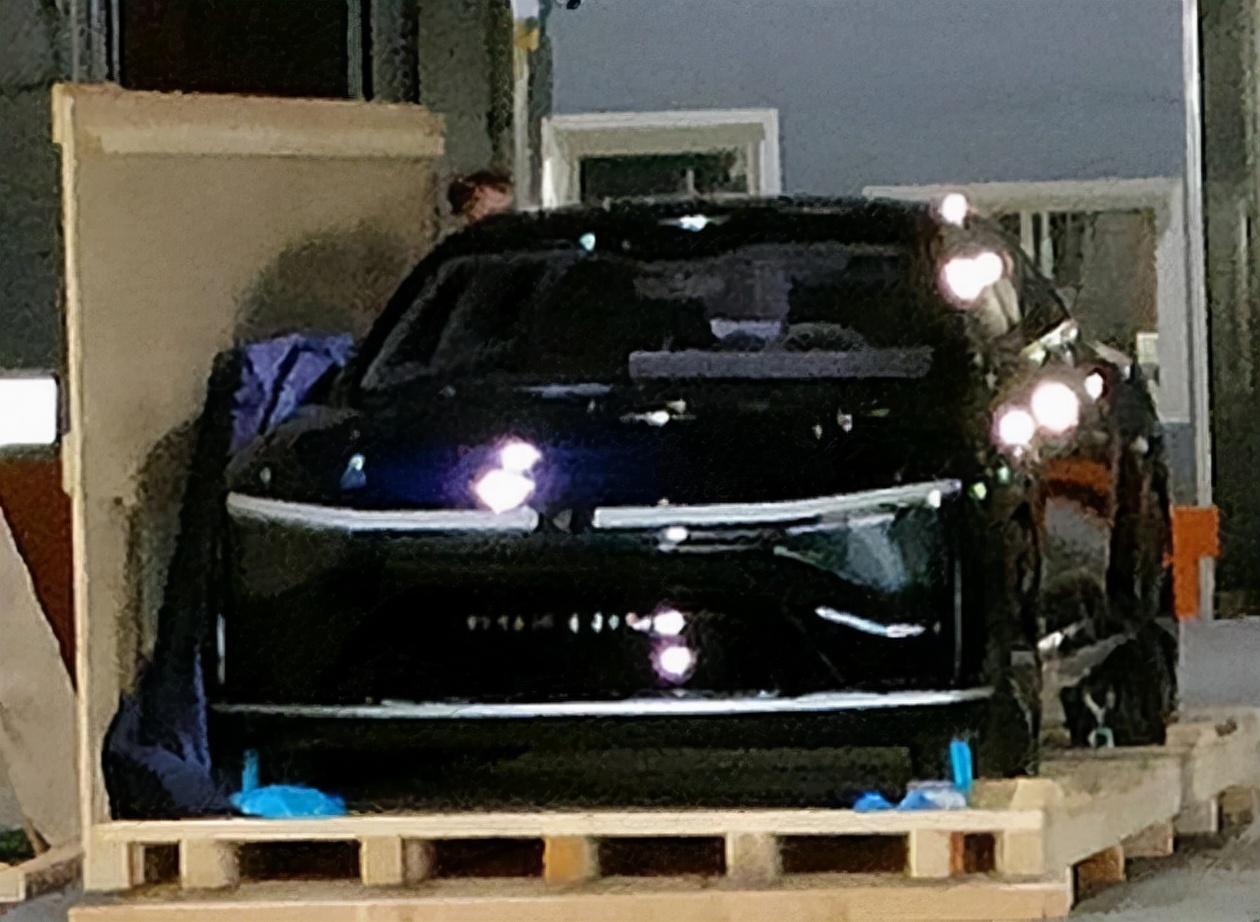 「汽车V报」小鹏P5正式上市;现代CASPER内饰官图发布-20210916-VDGER