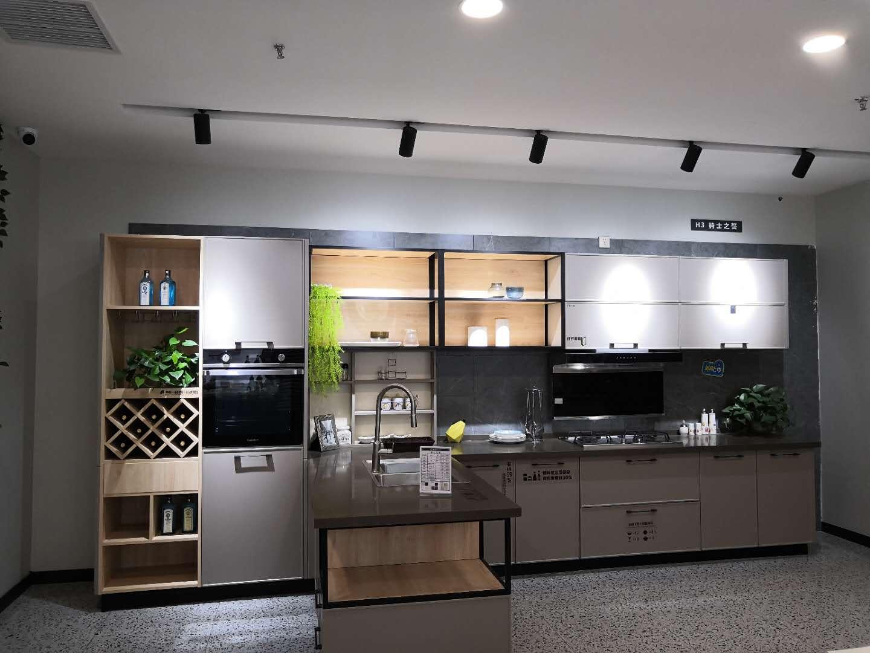 橱柜什么颜色好看?设计师分享了12种高颜值厨房,既美观又实用
