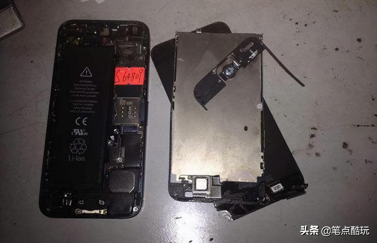 手机进水屏幕有水印(手机进水水印几天消失)