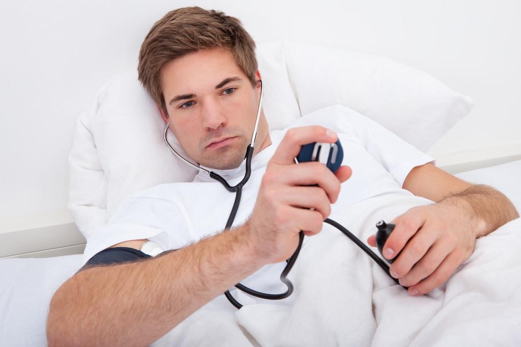 注意,高血压要远离这4种食物,千万不要嘴馋