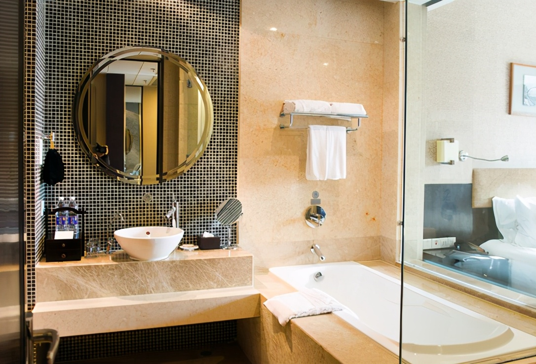 """为何住酒店时,要开着厕所的灯睡觉?这几点告诉你""""答案"""""""