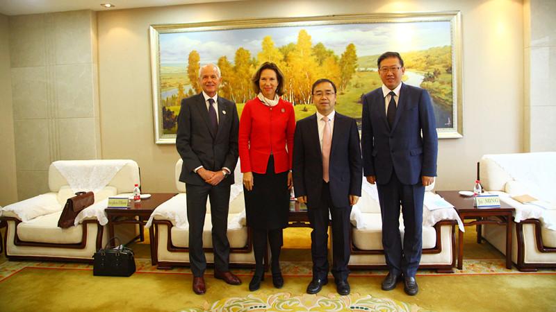 重庆大学大事件!英国驻华大使到访重庆这所高