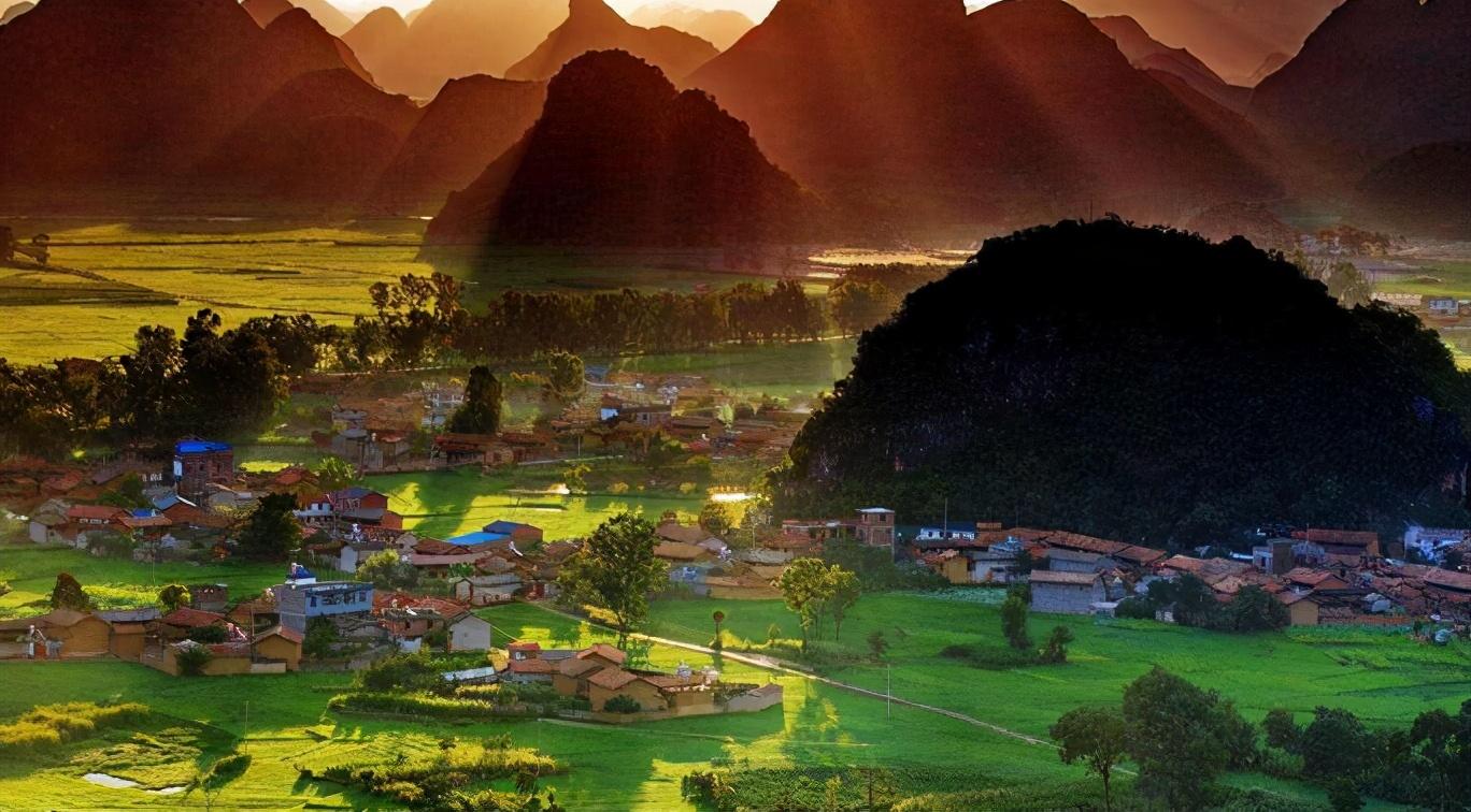 云南好玩的4个地方,风景好还消费低,十分适合情侣出行