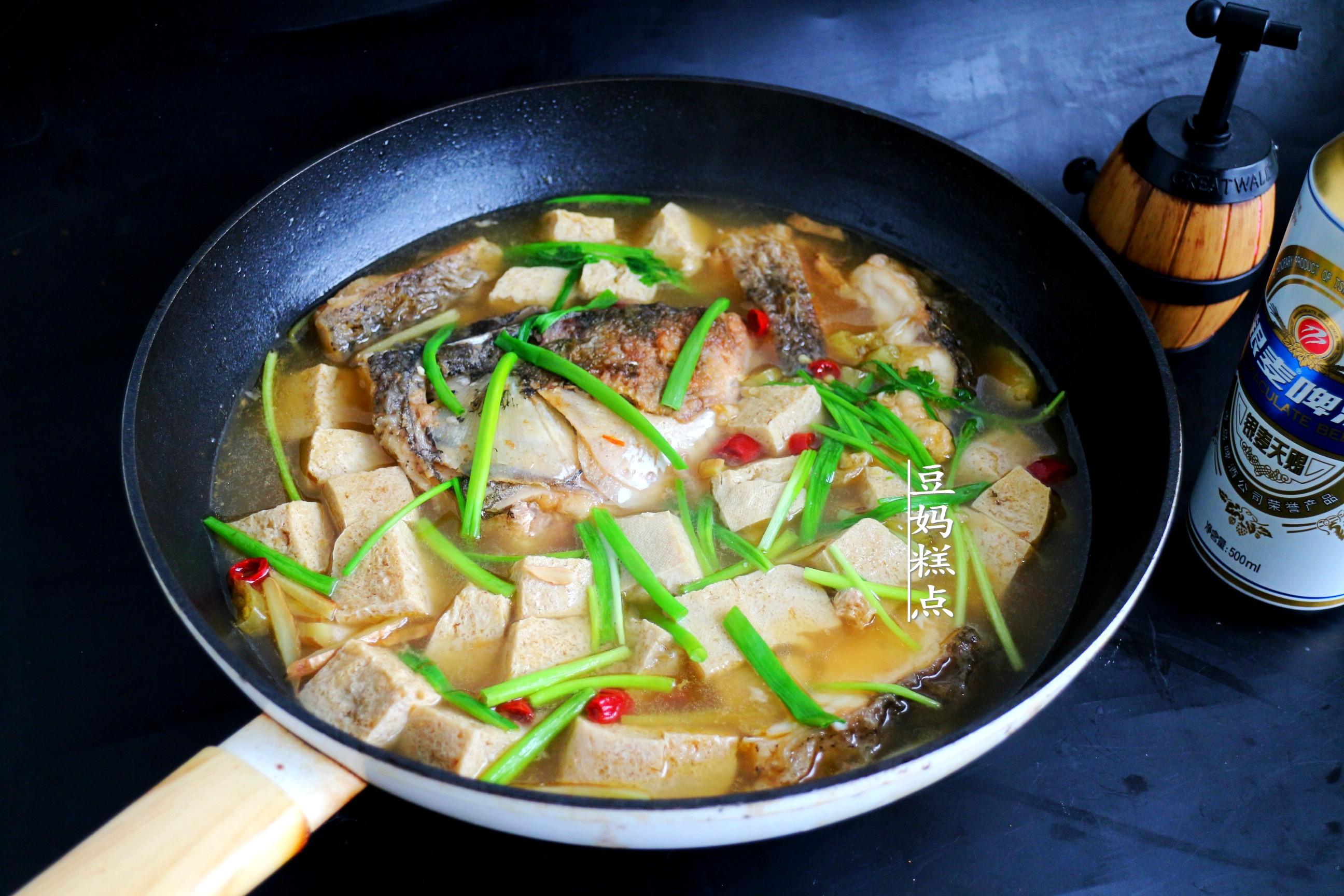天越冷,我越喜歡這樣吃豆腐,隨便一燉,入口爆汁
