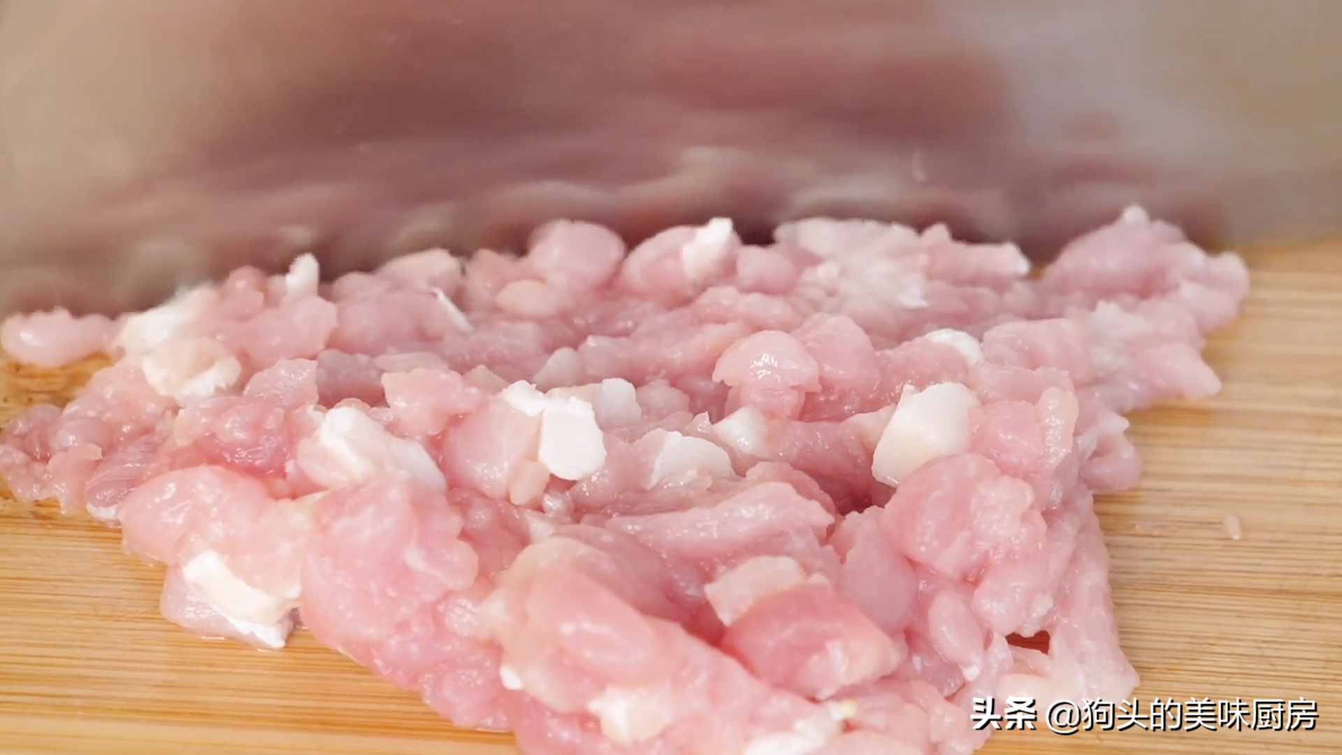 豆腐切成丁,不炒不煎不油炸,连吃一个月也不腻,营养丰富又美味 美食做法 第12张
