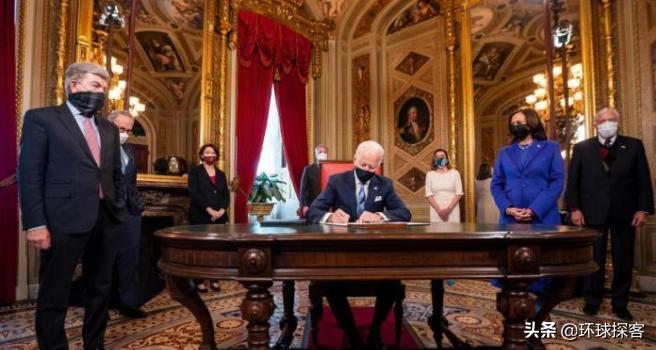 特朗普走了,拜登来了,三个细节显示,美国注定不会平静