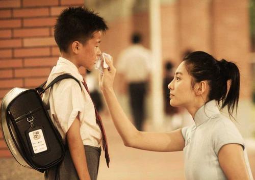 张雨绮拍电影途中偷偷割了双眼皮,星爷:人都变了戏怎么接的上?