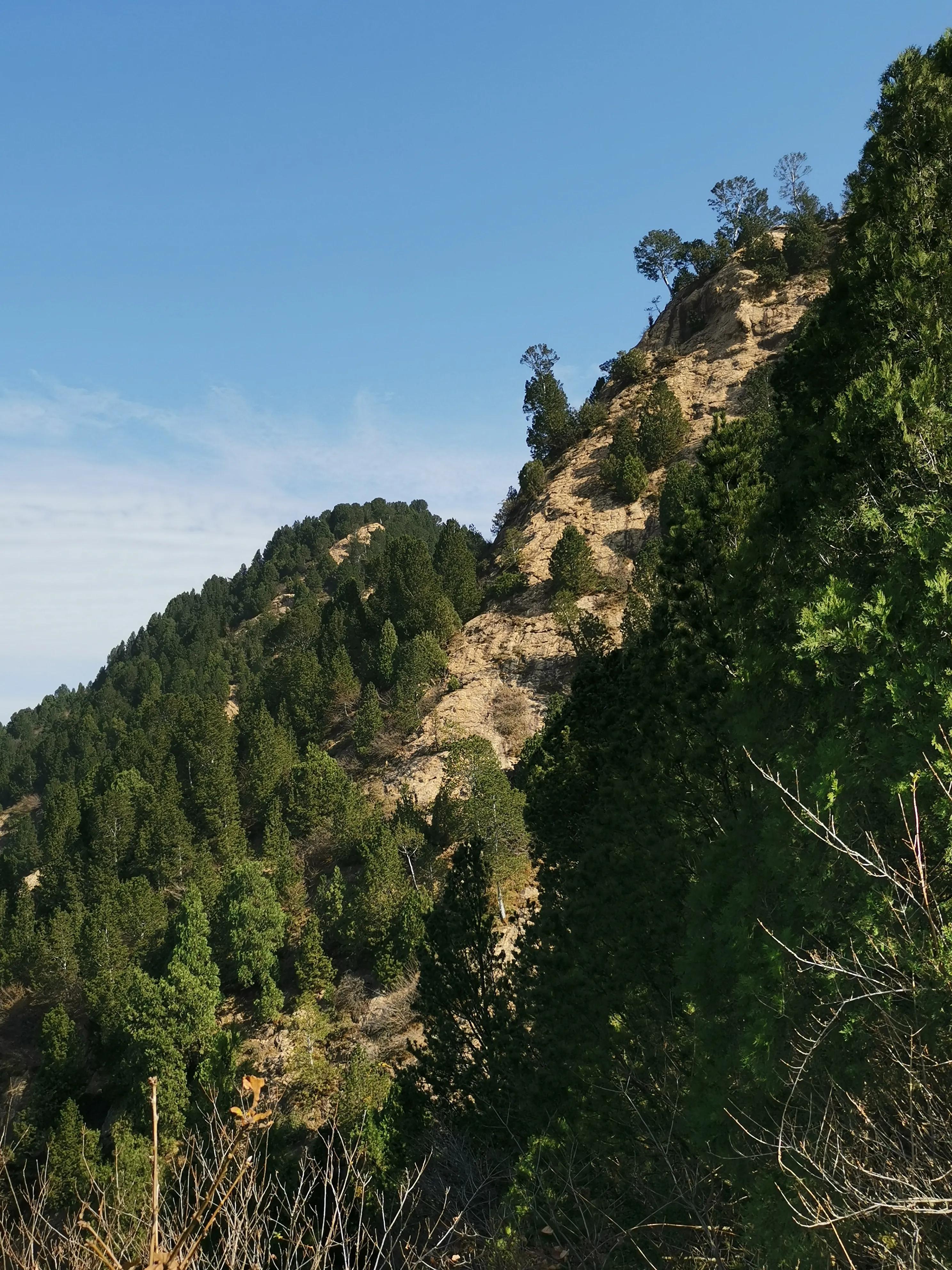 壁立千仞,秀峰对峙,秀险可比华山的渭南临渭区石鼓山,大美!
