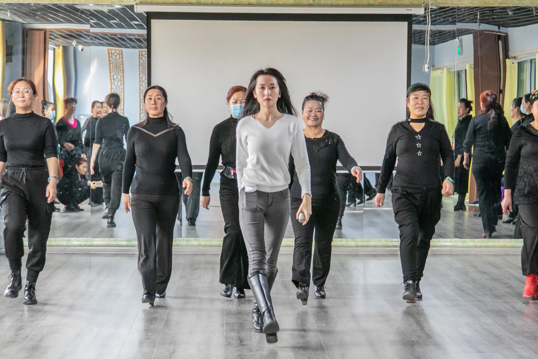 宝都大讲堂丨昌乐舞协模特公益课