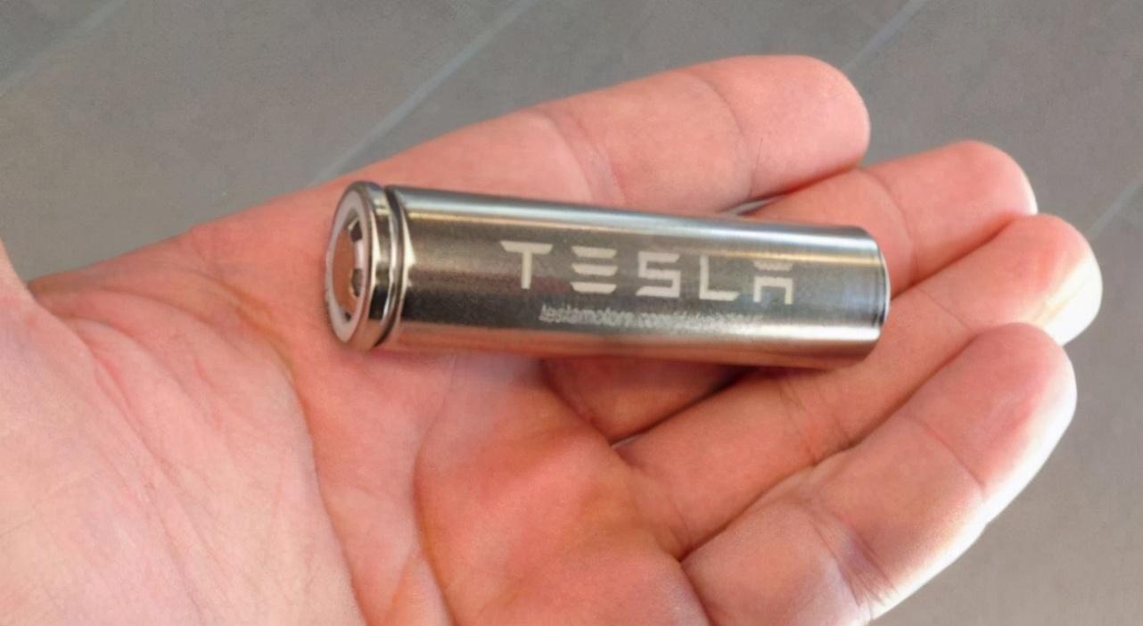 马斯克:我们有续航1000km的电池技术,但我们不用