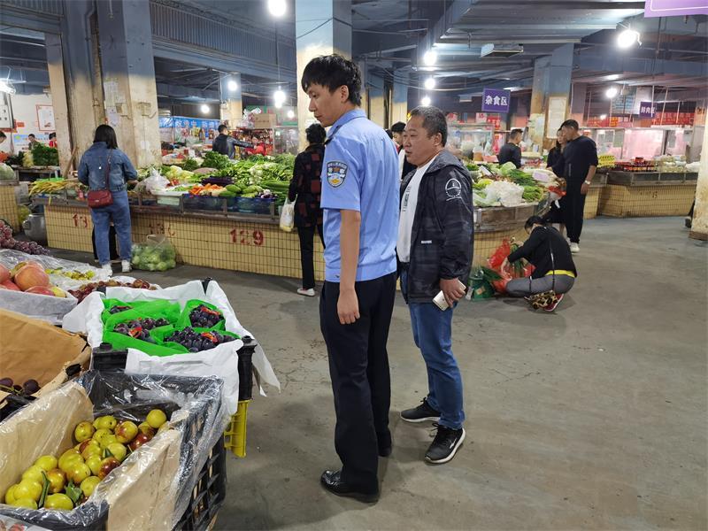 盘州市公安局联合业务部门开展食品安全检查