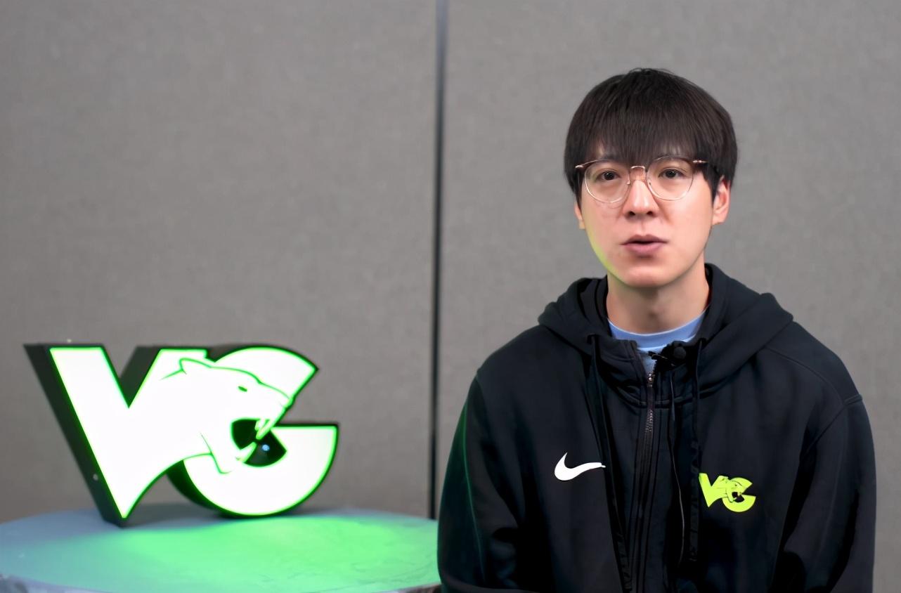 DWG喜迎三冠王教练Kkoma!明年继续强势!T1粉丝心碎