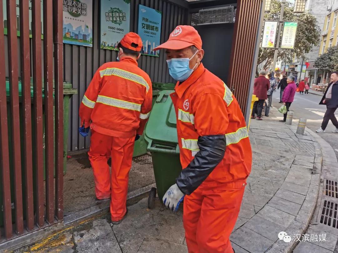 【收心聚力加油干】市容环保干部奋斗在一线