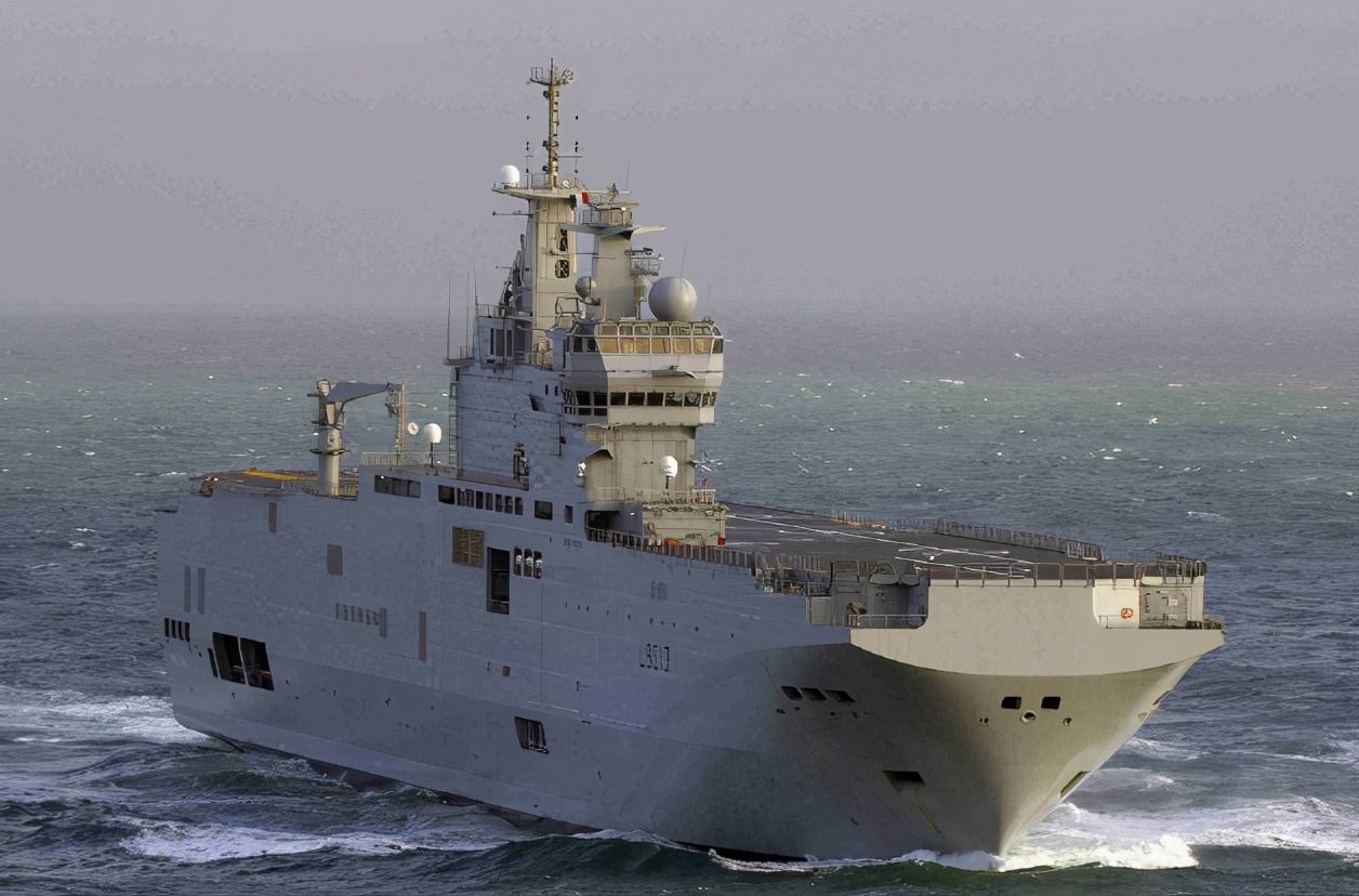 """疯狂挑衅!法国准航母围绕中国领海基线打""""擦边"""",最近仅370米"""