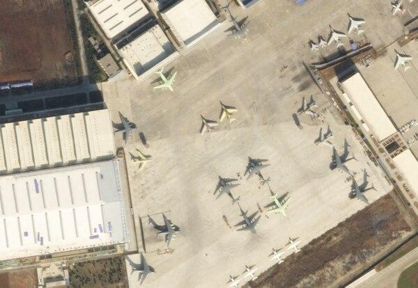 国产运20批量建造,卫星照片出现加油型,解放军获新战力倍增器