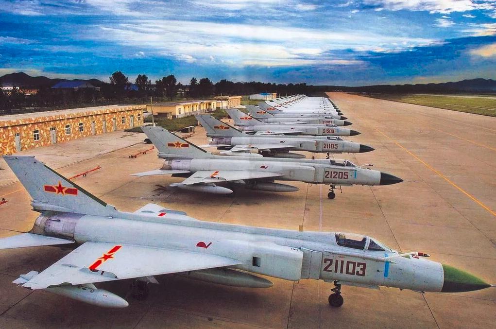 27年前双十二,中国争气机歼-8III首飞,却成了争议机