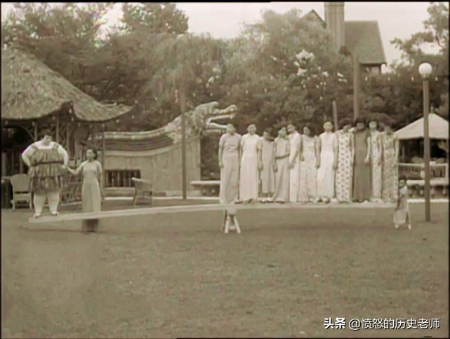 珍貴老照片:謝文東真容、故宮城牆上的毛主席、真實的鬼子進村