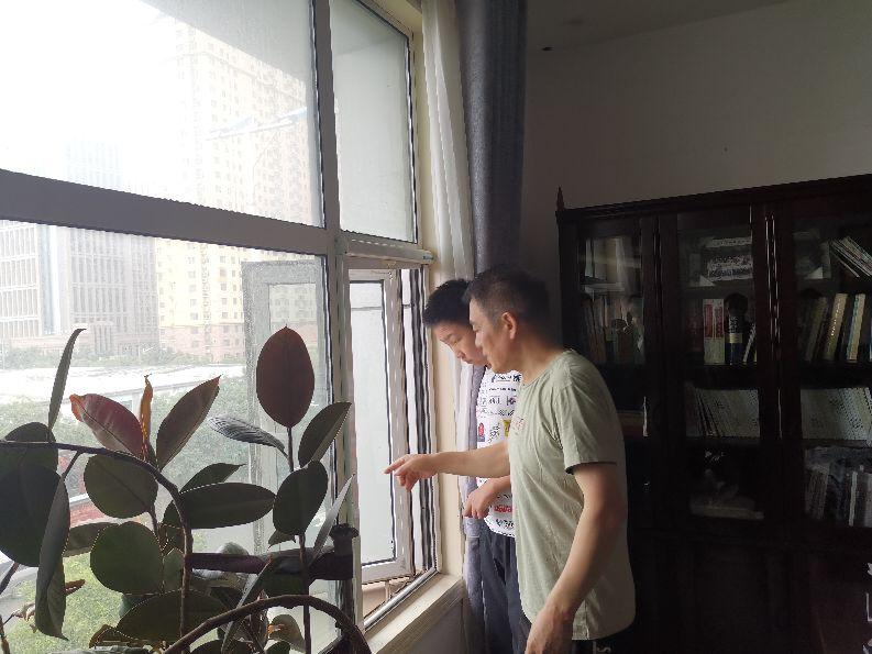 绿色出行达人刘奕鸣做客郑州双零楼