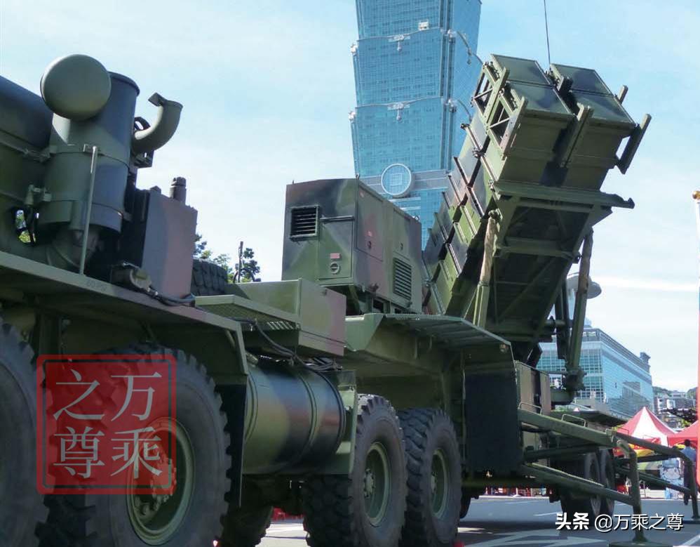 不堪一击,计算台湾一千枚防空导弹加三百架战斗机作战能力