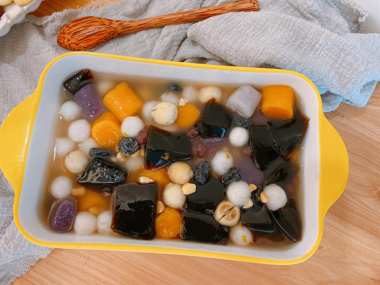 天气热试试冷饮拼盘,用料足清凉降火,比烧仙草还好吃,解暑神器